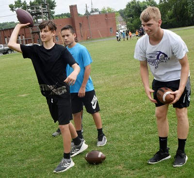 Campbellsville Middle School seventh-grader Jaxon Sidebottom throws.