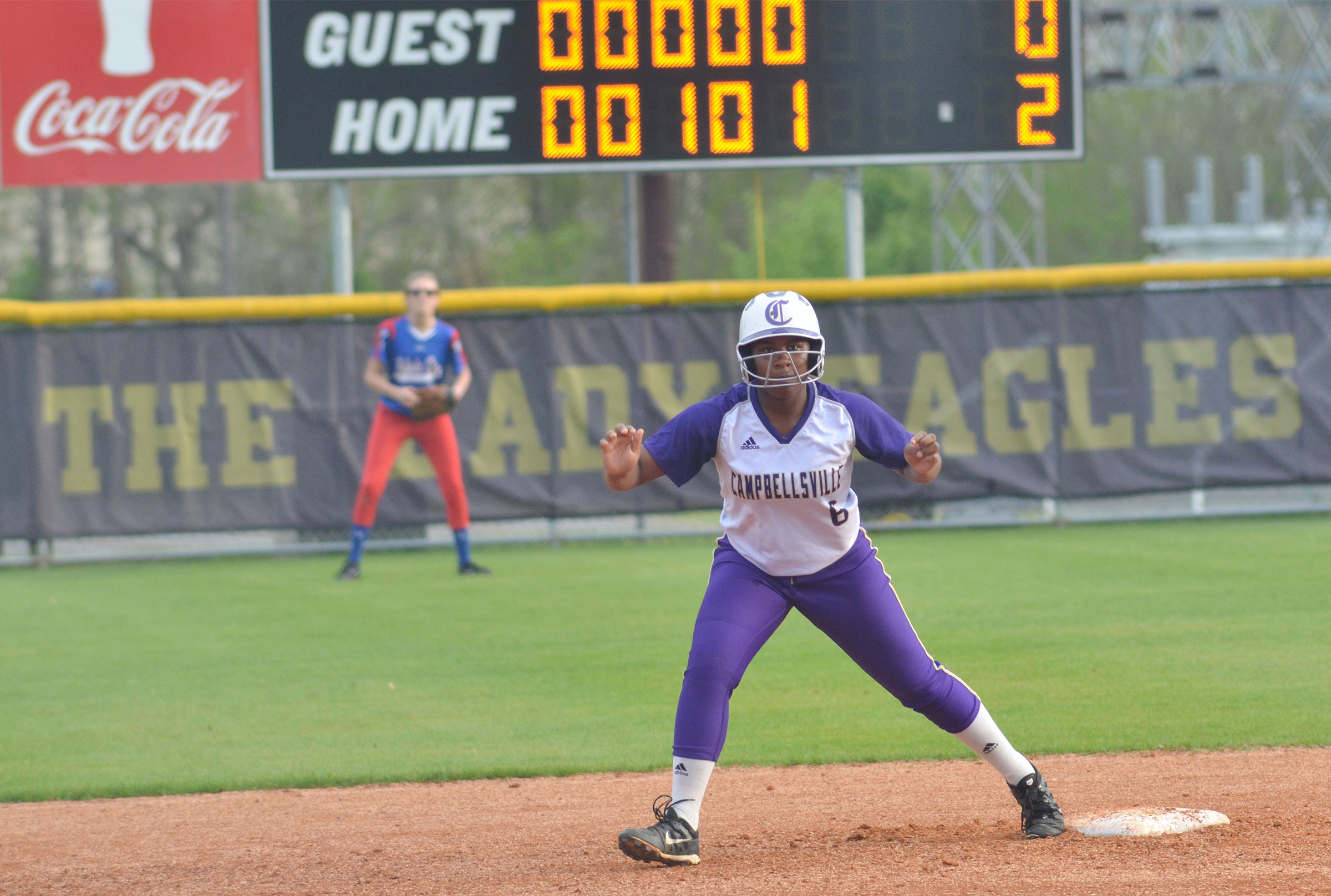 CHS junior Kiyah Barnett looks to run to third.