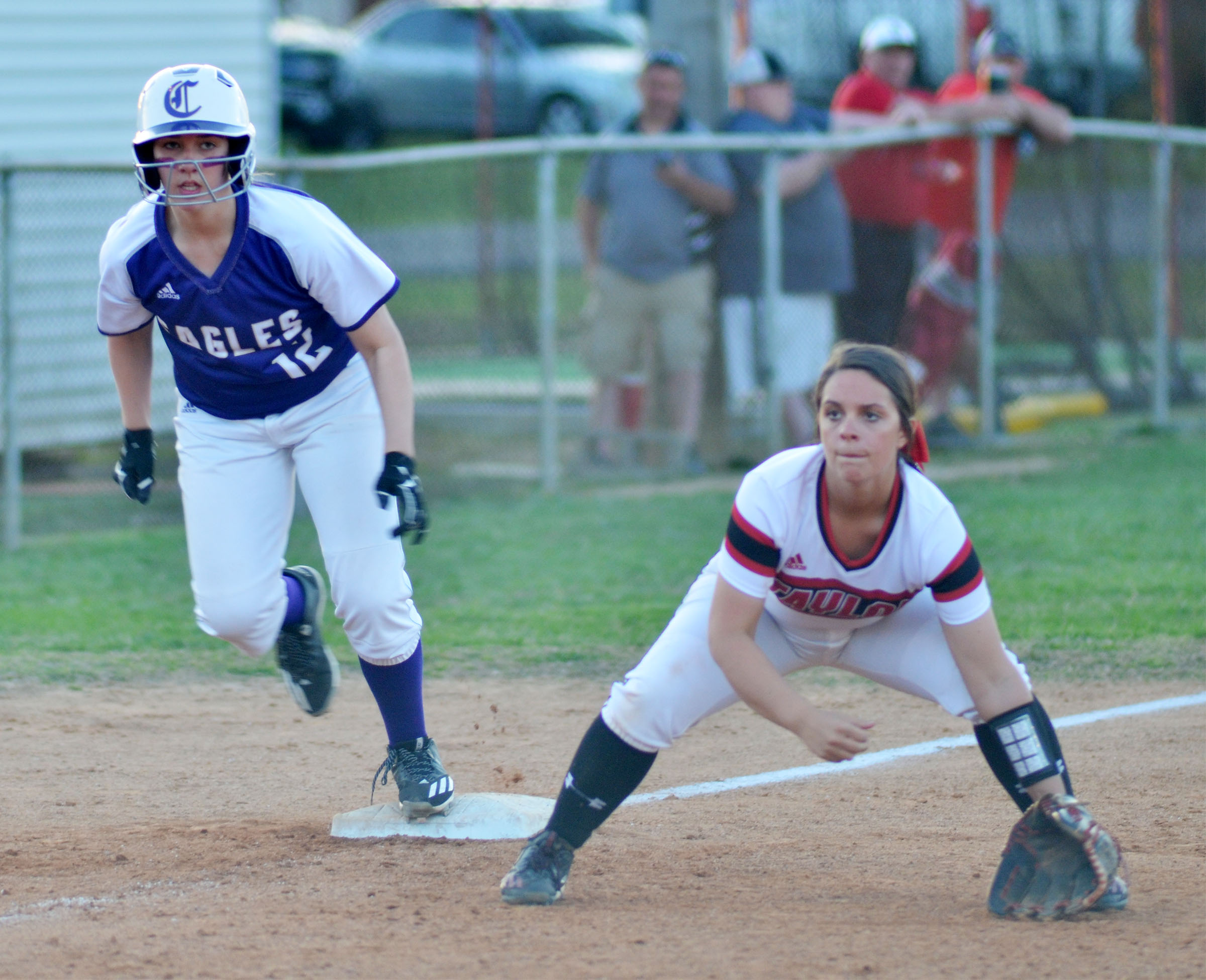 Campbellsville Middle School eighth-grader Abi Wiedewitsch looks to run home.