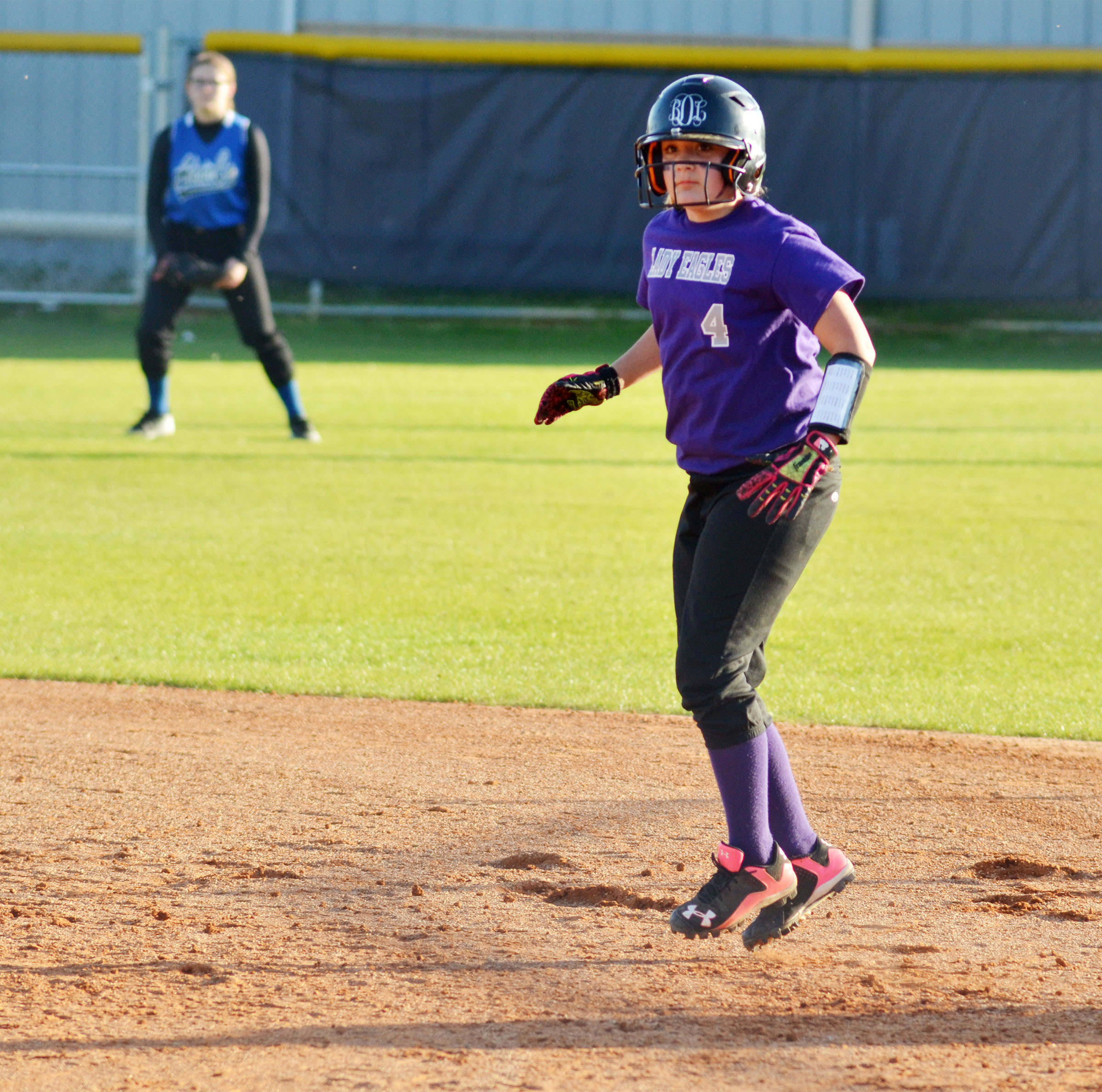 CMS sixth-grader Briana Davis gets set to steal second.