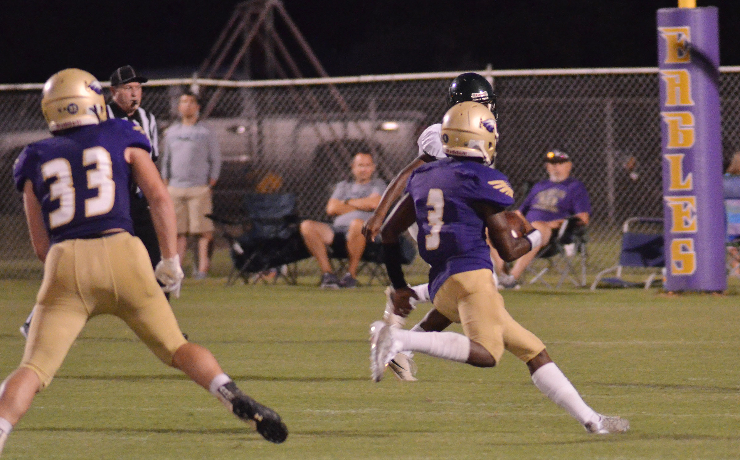 CHS sophomore Malachi Corley runs for a touchdown.