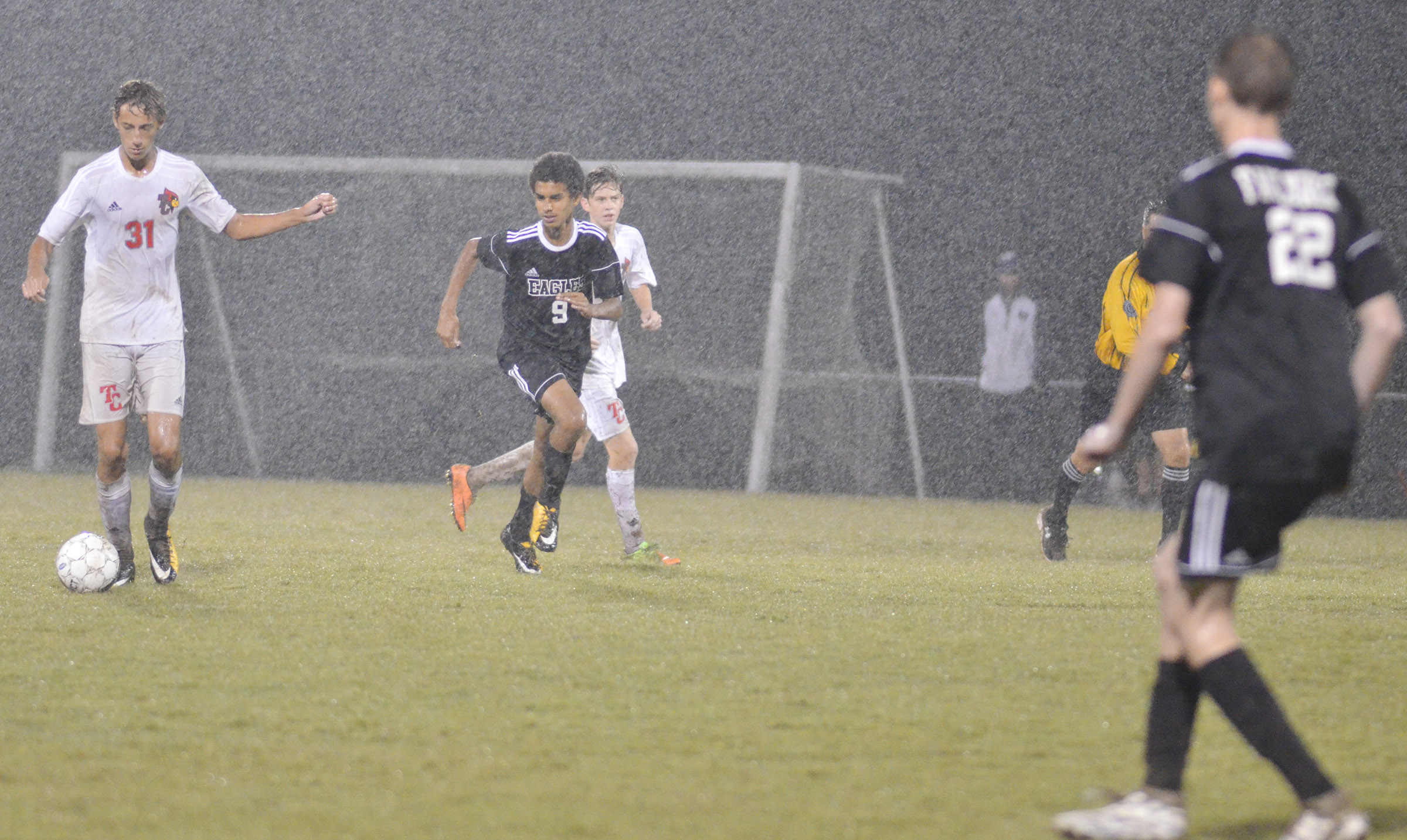 CHS sophomore David Silva runs down the field.