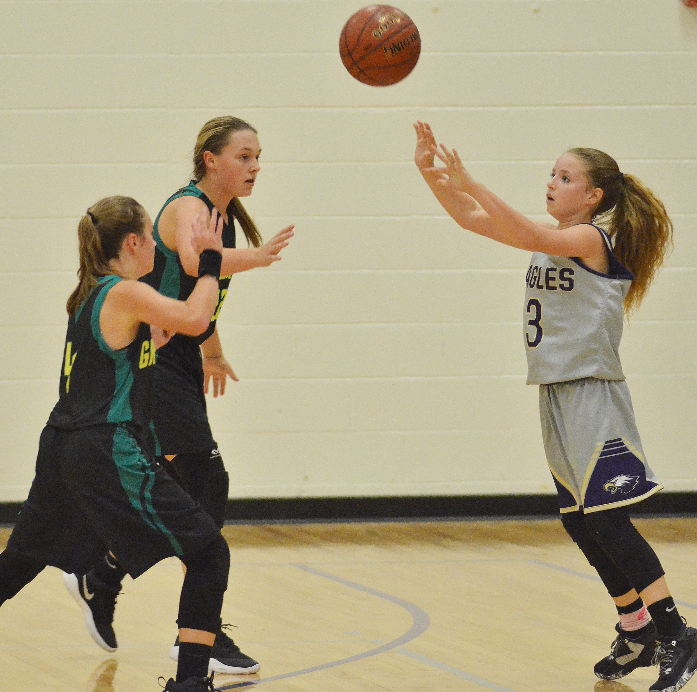 CMS eighth-grader Rylee Petett passes.