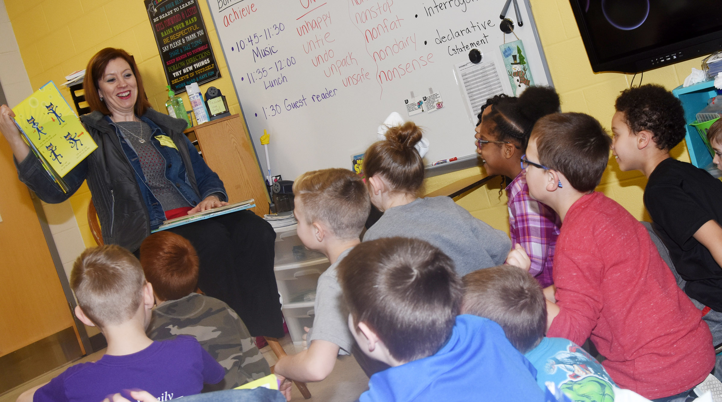 Tammy Sexton reads to CES second-graders.