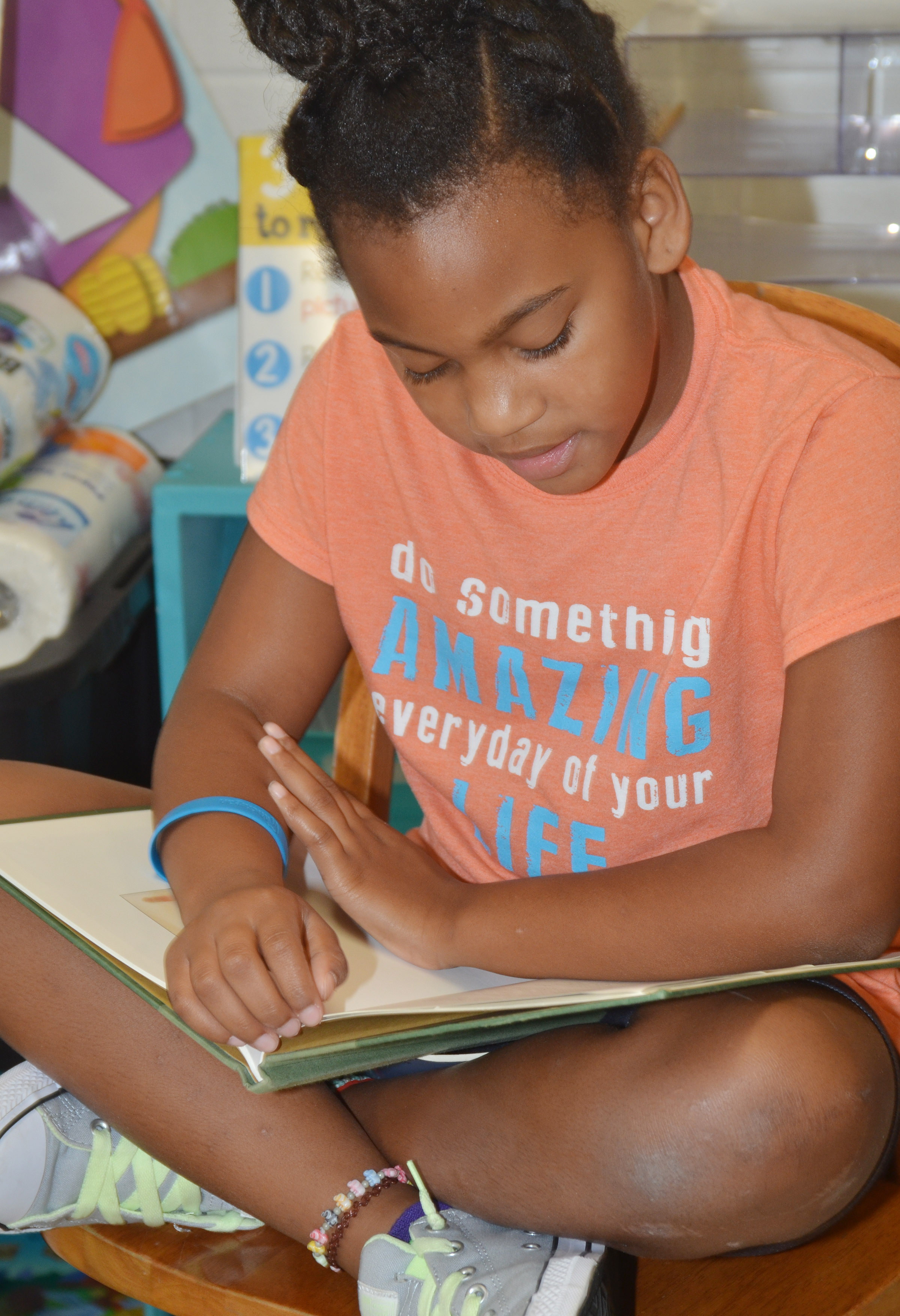 CES second-grader Aliyandra Dunn reads.