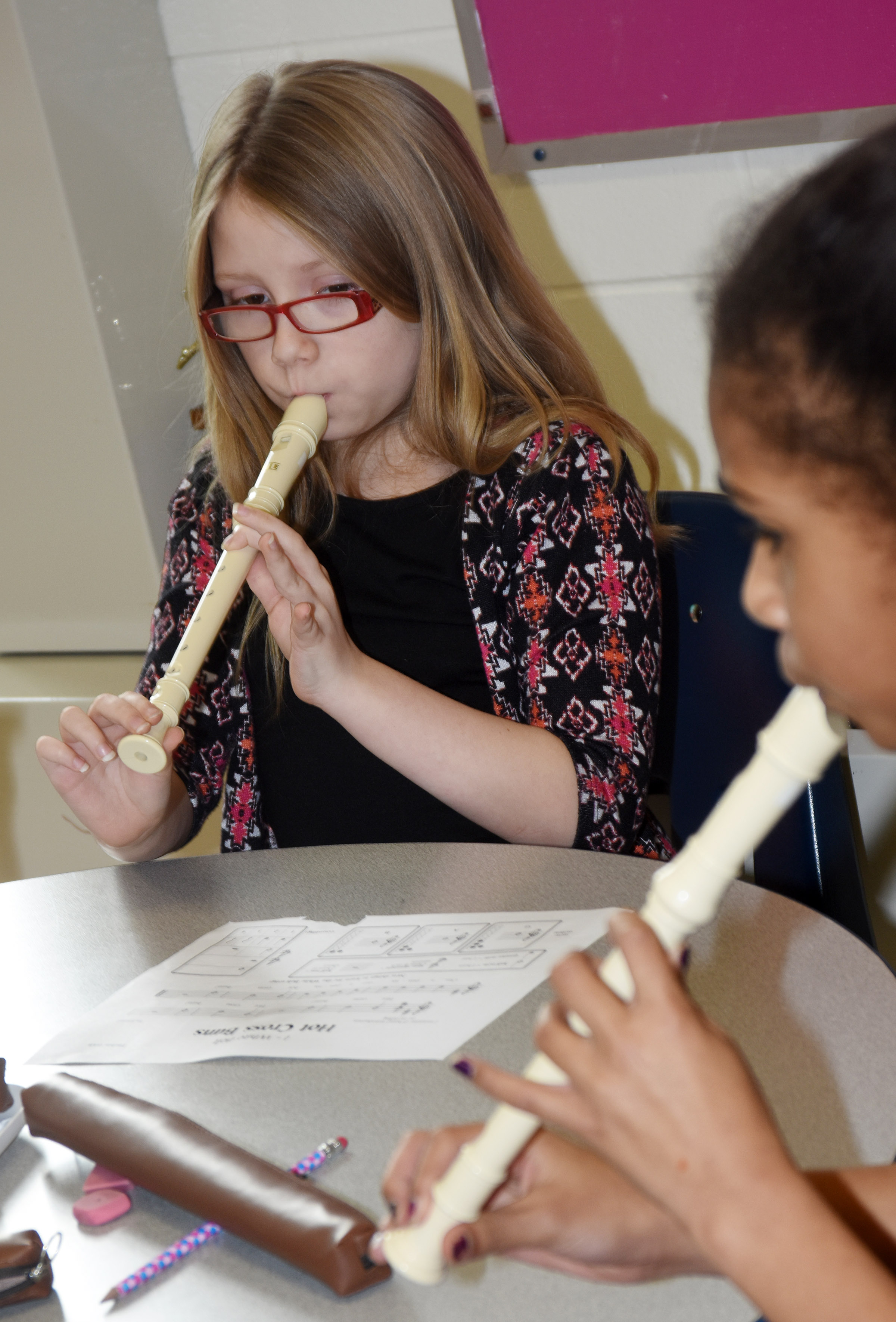 CES fourth-grader Gracie Pendleton plays Hot Cross Buns.