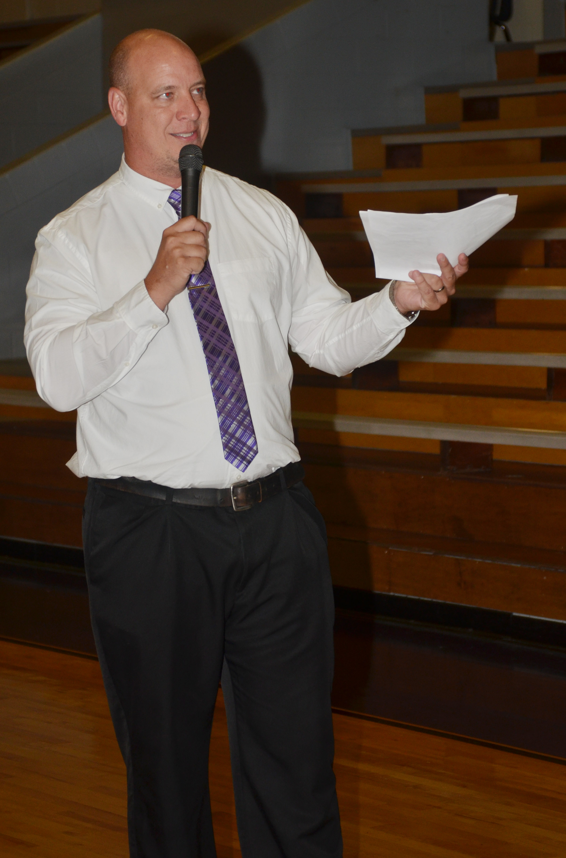 CHS Principal David Petett talks to CHS freshmen.
