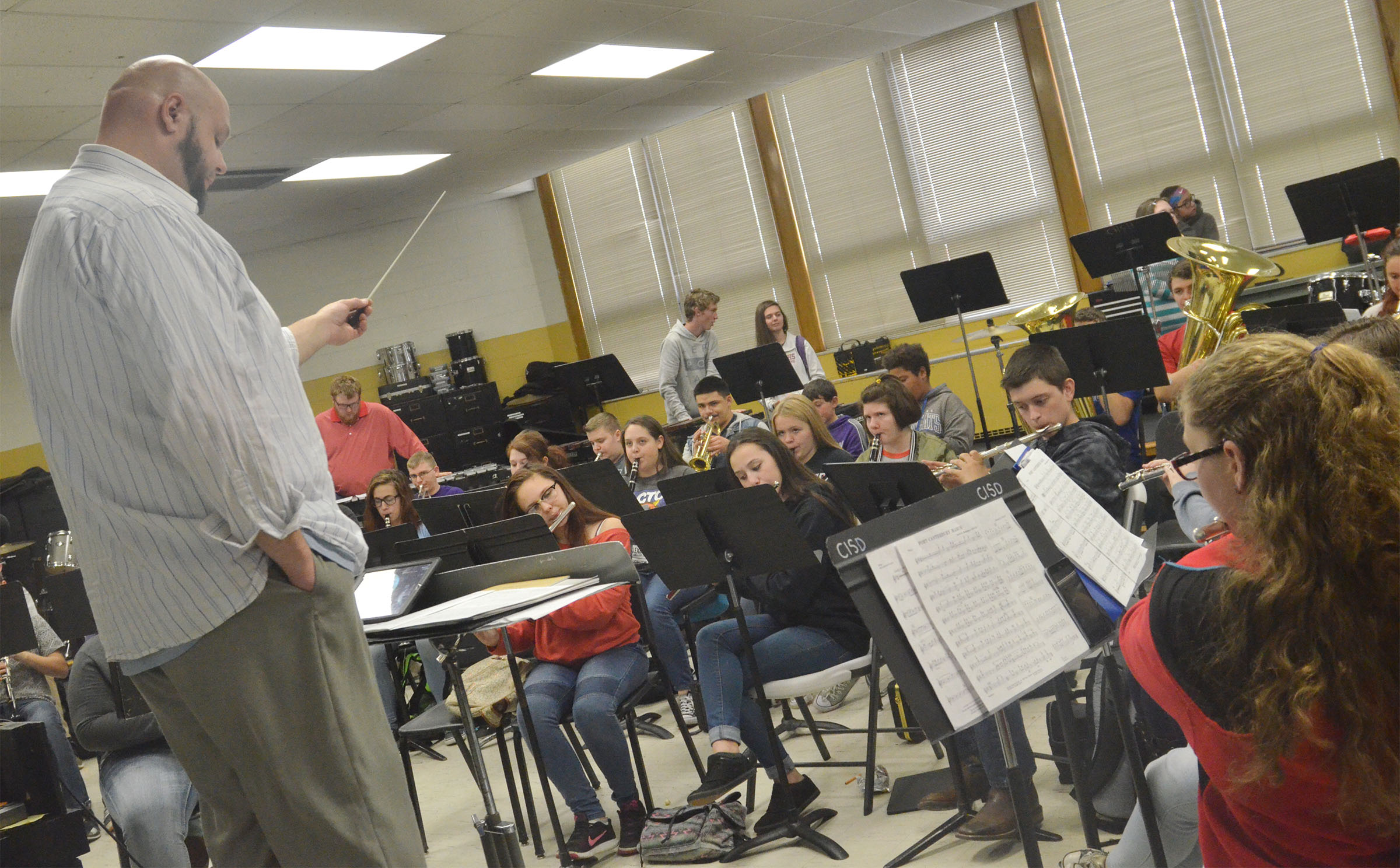 Zach Shelton directs the CHS concert band.