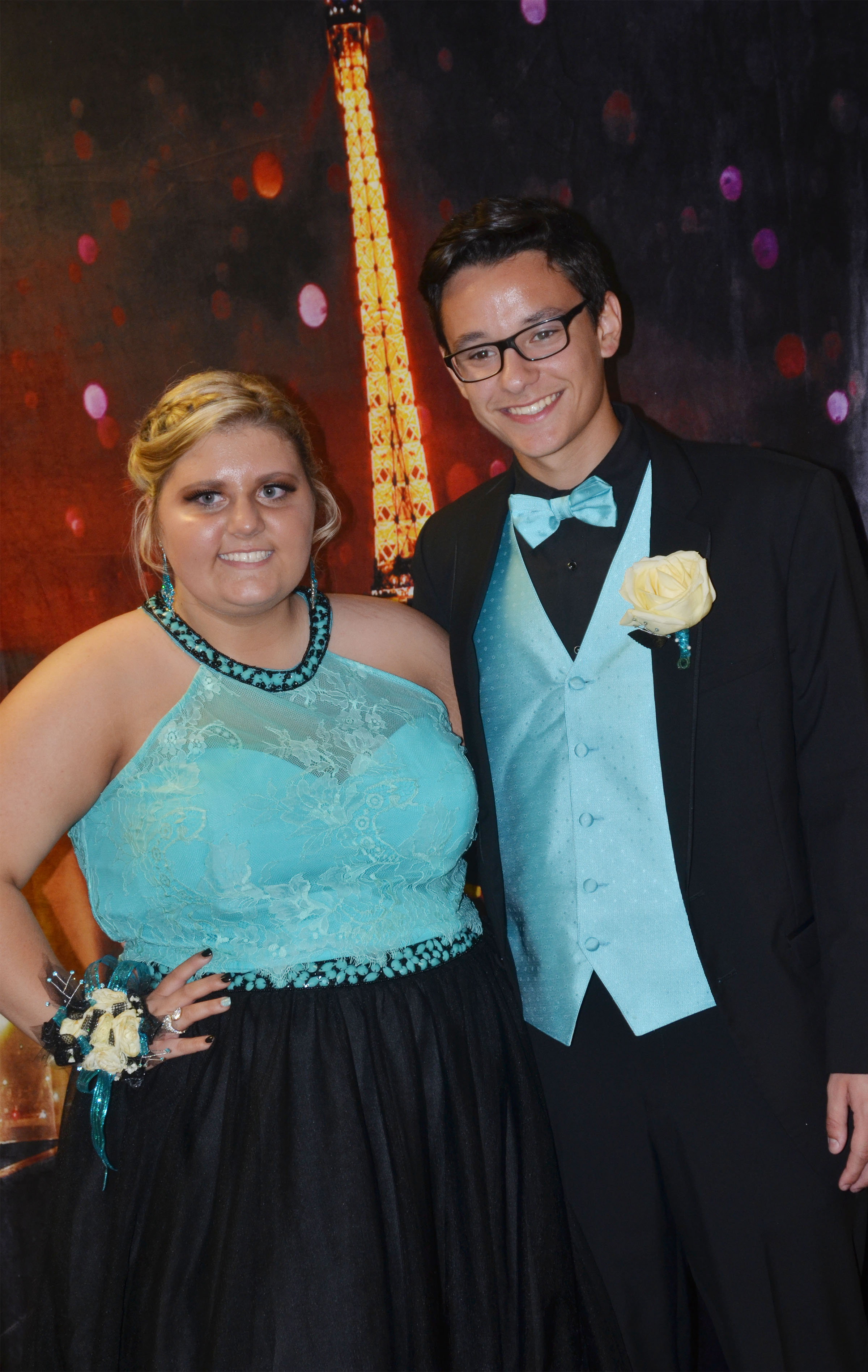 CHS juniors Andrea Bryant and Matteo Rossi smile.