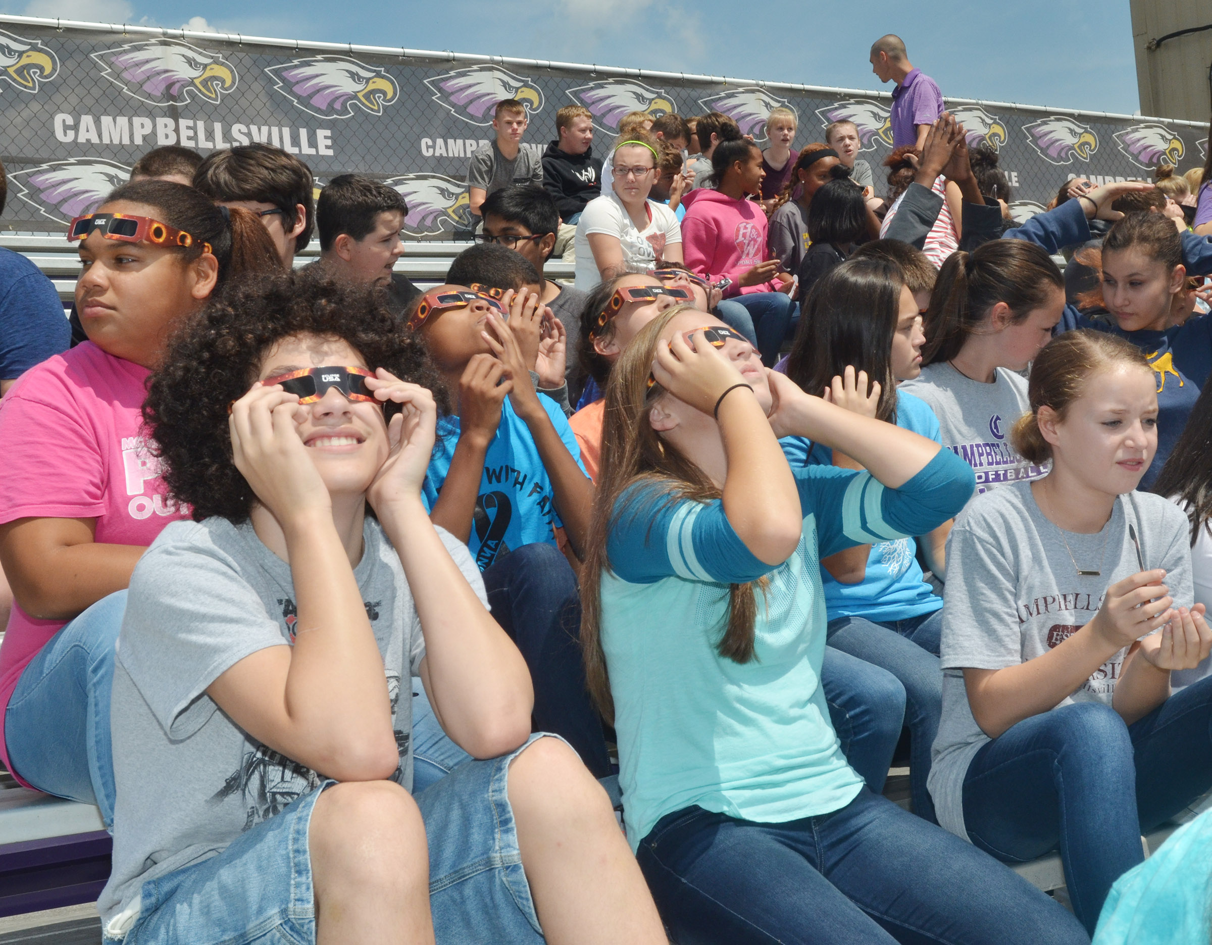 CMS students view the eclipse.