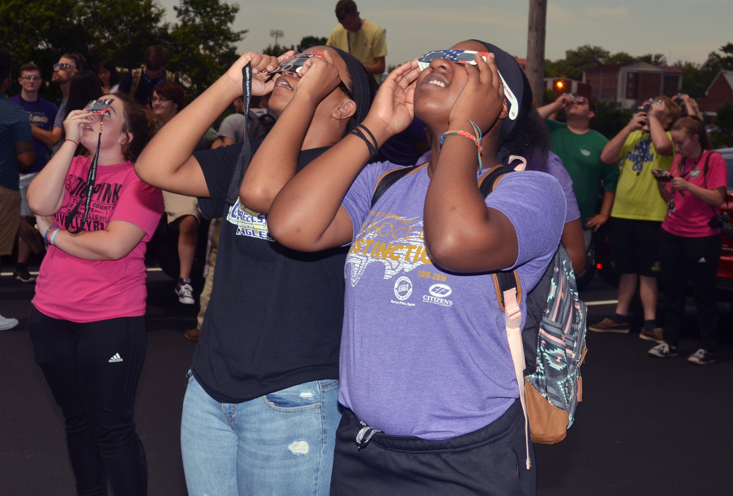 CHS seniors view the eclipse.
