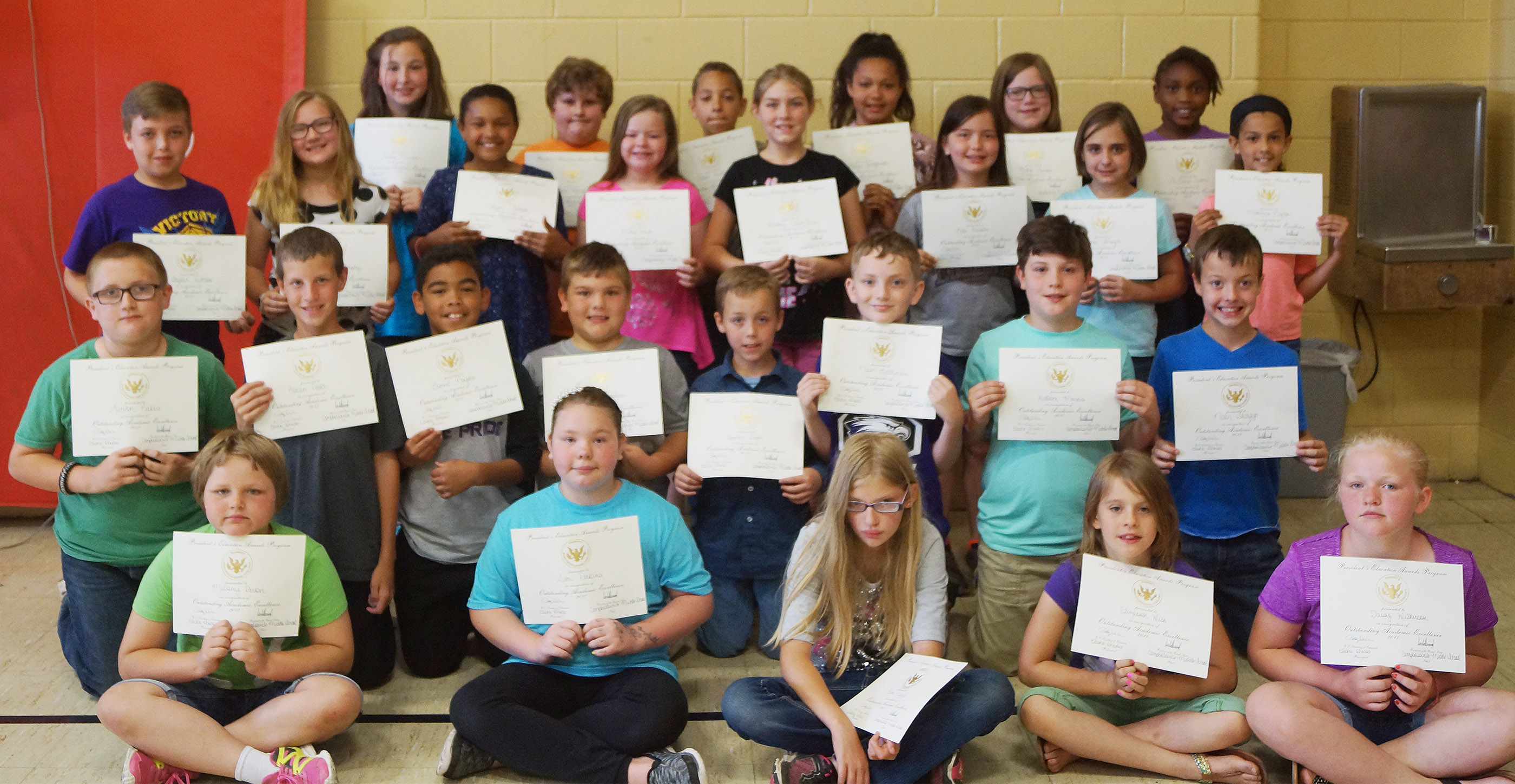 Fourth-grade students receiving the president's award for educational excellence are, from left, front, Mellany Parker, Averi Perkins, Payton Releford, Ellie Wise and Daisy Wilkerson. Second row, Logan Rakes, Rowan Petett, Gabriel Noyola, Logan England, Spencer Bates, Noah Leachman, Andrew Mardis and Noah Skaggs. Third row, Skylar Wilhoite, Lilyan Murphy, Jaclyn Jackson, Miley Hash, Harley Couch-Allen, Kate Billeter, Anna Floyd and Mackenzie Negron. Back, Riley Newton, Zeke Harris, Aiden Eastridge, Kenya Bridgewater, Kaylyn Lawson and Ta'Zaria Owens.