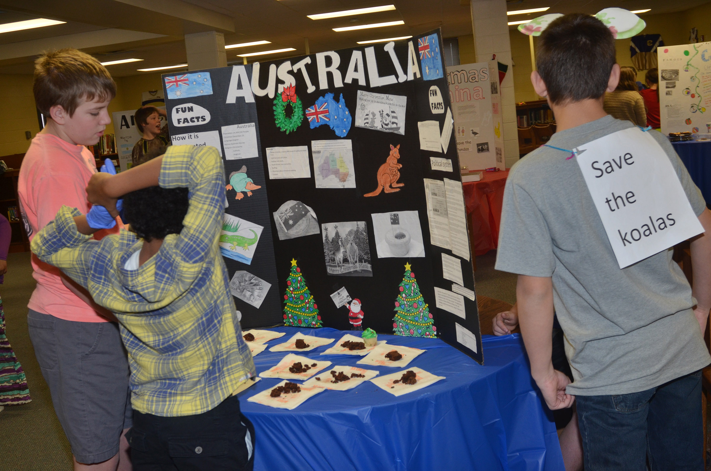 CMS students learn about Christmas traditions in Australia.
